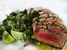 Cá ngừ tẩm vừng áp chảo