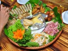 Đến phố Huỳnh Thúc Kháng ăn gà mẹt 7 món
