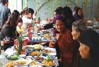 Mâm cỗ người Việt qua góc nhìn người phương Tây