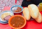 Những quán ăn không có biển hiệu vẫn hút khách ở Hà Nội