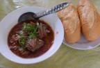 Bánh mì lưỡi heo sốt pate trong biệt thự cổ ở Sài Gòn