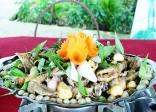 Đến Cần Thơ nhớ ăn gà um dâu Hạ Châu