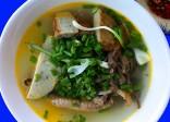 Ăn bánh canh lòng cá ngừ ở Nha Trang