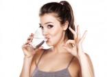 Vì sao uống nhiều nước giúp ngừa sỏi thận?