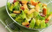 Món salad nổi tiếng với công thức đơn giản