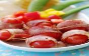 Thịt xông khói cuộn cà chua bi