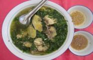 Món ngon Bến Tre: Thịt gà nấu canh lá cách