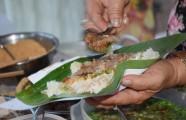 Quán xôi cay vỉa hè Sài Gòn mỗi ngày nấu 40 kg nếp