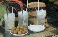 Tới phố Bát Đàn thưởng thức hương chè sen nhãn nước dừa