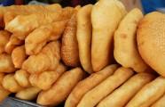 Bánh tiêu giò chéo quẩy - món ăn chơi dân dã của người Sài Gòn