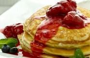 Mát trời trổ tài bánh pancake bơ sữa thơm lừng