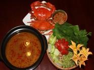 Lẩu cua biển - món ngon níu chân du khách tới Sài Gòn