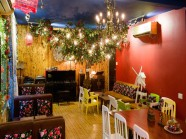 Quán café đẹp như cổ tích giữa Sài Gòn