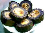 Thưởng thức hương vị bánh chưng đen của người Thái