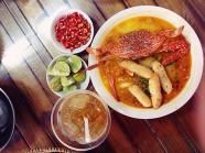 """Hàng bánh canh ghẹ nước cốt dừa """"gây nghiện"""" ở Sài Gòn"""