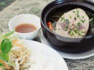 Hương vị độc đáo trong tô bún cá tại nhà hàng Khoái