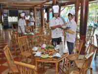 Nhà hàng gà mò Nam Nga
