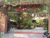 Nhà hàng Mái Đỏ