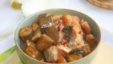 Cá kho chuối xanh