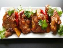 Thịt gà kho nước dừa