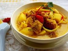 Cùng nấu cà ri gà sữa tươi mang hương vị Ấn Độ