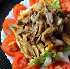 Salad bò ngon lạ