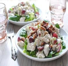 Salad nho gà sữa chua