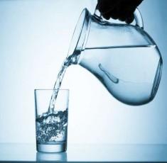 Chuyện gì sẽ xảy ra khi bạn uống quá nhiều nước?