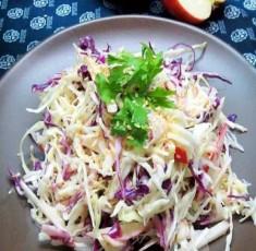 Làm salad bắp cải giòn ngon, thanh mát cho mùa hè