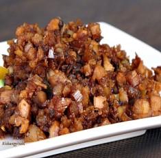 Thịt rang riềng thơm ngon nức mũi cho bữa cơm ngày bận rộn