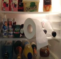 Thử đặt cuộn giấy vệ sinh vào tủ lạnh, bạn sẽ phải bất ngờ với kết quả thu được