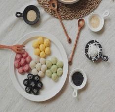 Quên cách làm bánh trôi thông thường đi, làm BÁNH TRÔI NGŨ SẮC với màu tự nhiên mới chất