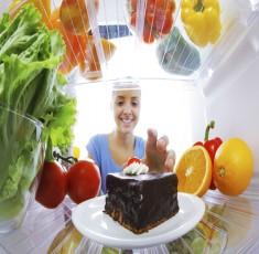 Vệ sinh tủ lạnh mà không lưu ý những điều này có khi rước bệnh vào người