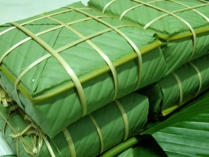 Mẹo hay luộc bánh chưng xanh tự nhiên đón Tết