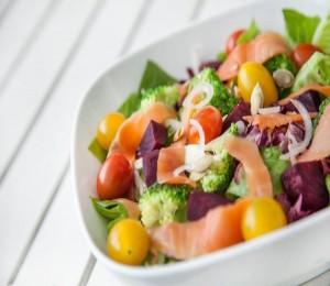 Thanh lọc cơ thể bằng 6 món salad