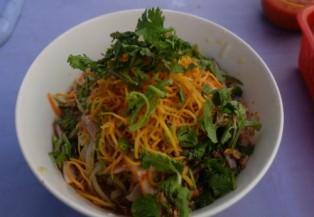 """Đi ăn """"phở chua"""" đặc sản xứ Lạng trên dất Sài Gòn"""