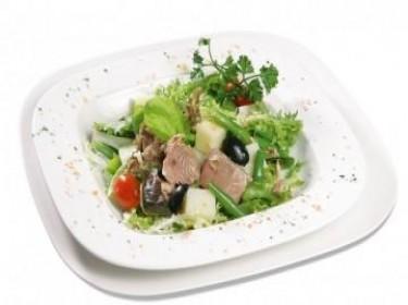 Salad cá tuna ngâm dầu