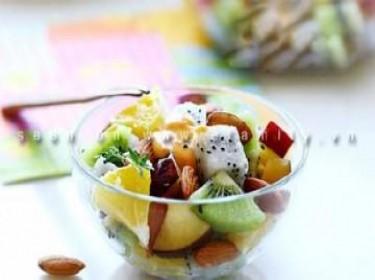 Salad với trái cây
