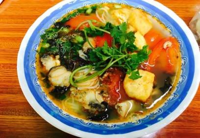 Đầu năm lễ Phủ Tây Hồ xong ăn gì?