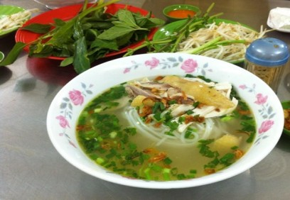 Những quán ăn trong hẻm vấn đông khách ở Sài Gòn