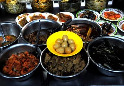 Những món ngon ăn cùng với cháo trắng đêm ở Sài Gòn