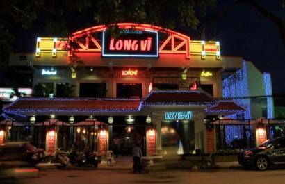 Nhà hàng Long Vĩ