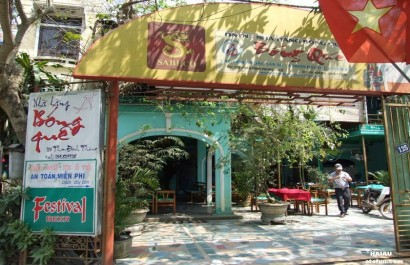 Nhà hàng Bóng Quê