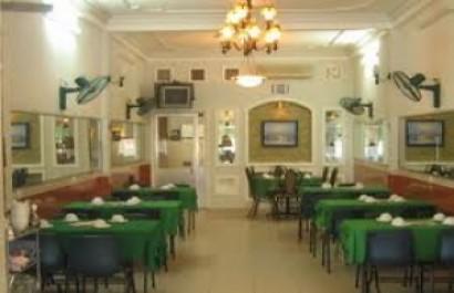 Nhà hàng nổi Sao Mai