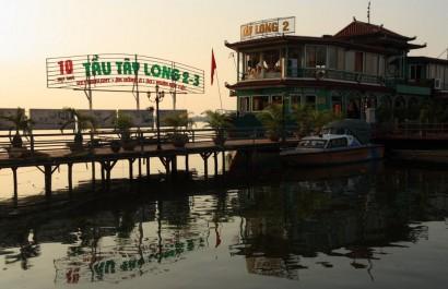 Nhà hàng du thuyền Tây Long 2-3