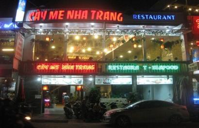 Nhà hàng Cây Me