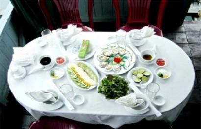 Nhà hàng nổi Quang Anh