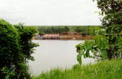 Nhà hàng khu du lịch Suối Lam