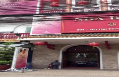 Nhà hàng Á Đông
