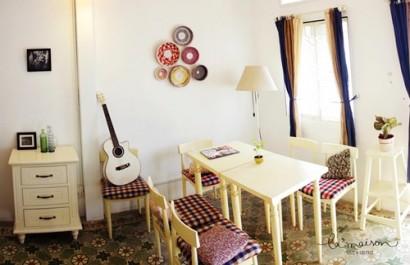 La' maison Cafe & Gallery
